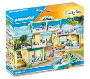 Playmobil Family Fun PLAYMO Beach Hotel